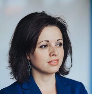 Dr Zara Nanu