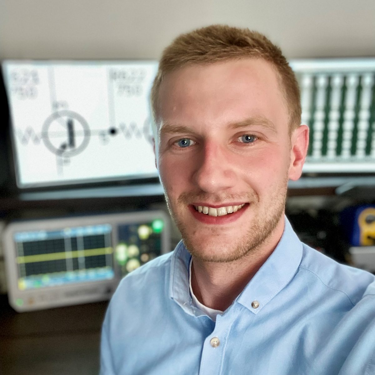 IET Prize awarded to UWE student engineer!